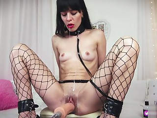 Unending fuck for good slave.I Love When copulation machine stretch my Hole